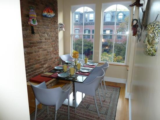 Encore Bed and Breakfast : the breakfast nook