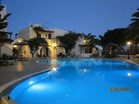 Smaragdi Hotel: Smaragdi pool area