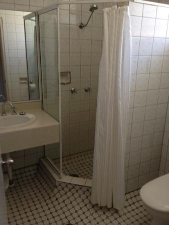 Comfort Inn Cairns City: bathroom