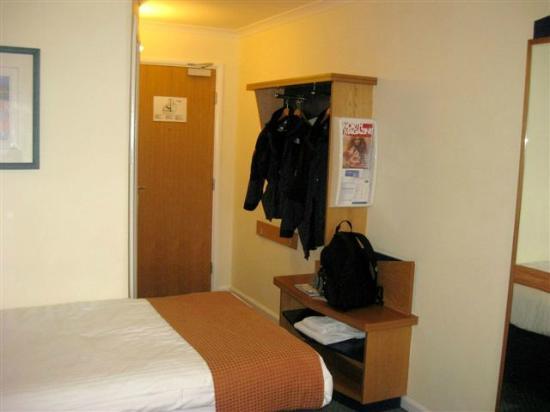 Holiday Inn Express Inverness : Closet?