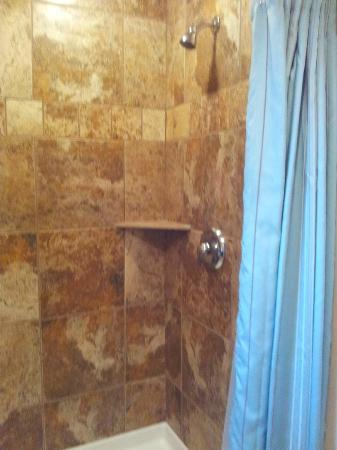 Lake Powell Motel: the shower