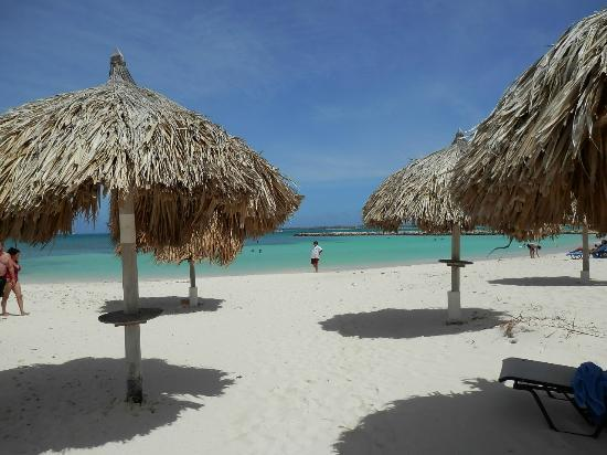 Hotel Riu Palace Aruba: Lovely beach at hotel