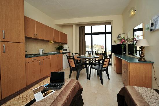 Rokna: Apartment