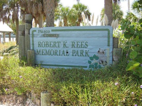 Robert K Rees Memorial Park: Entrance