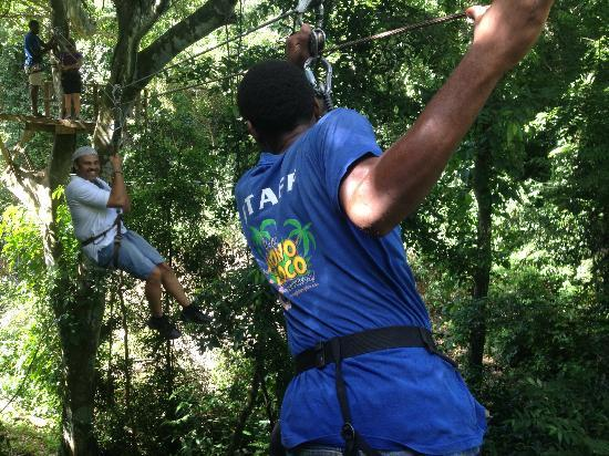 Jungle Top Zipline Adventure : Rafael ready to catch Rick!