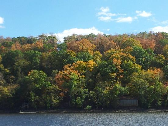 St. Croix River: the color of fall