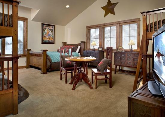 The Porches : Bunk rooms are ideal for kids to hang out