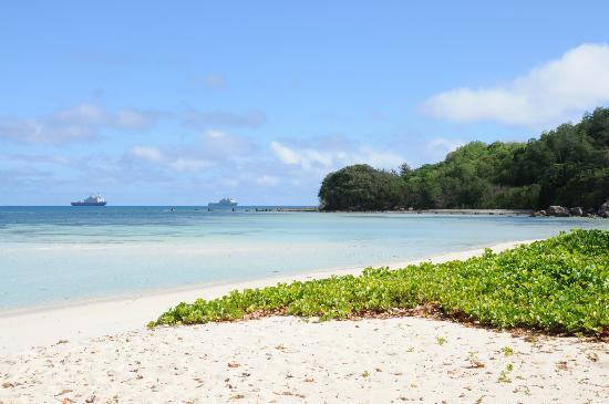Beachcomber Sainte Anne Resort & Spa: Beach