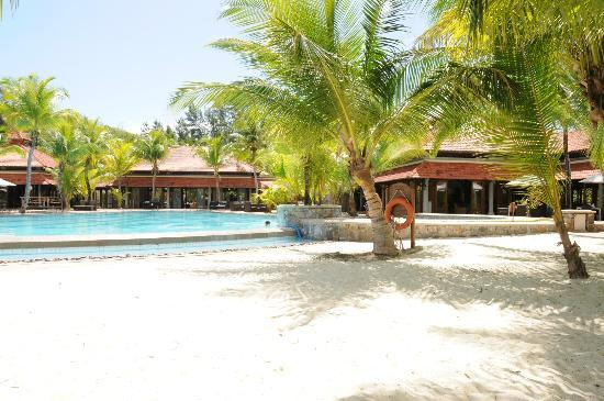 Beachcomber Sainte Anne Resort & Spa: Pool area
