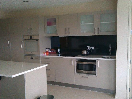 Esplanade Apartments: Kitchen area