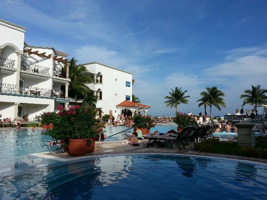 The Royal Playa del Carmen: Alberca