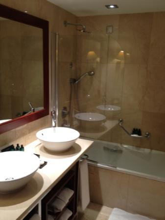InterContinental Lisbon: bathroom
