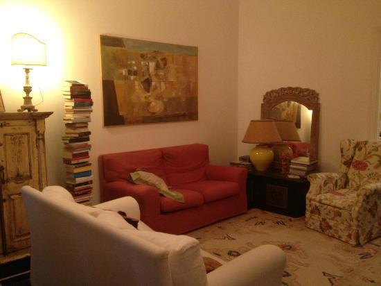 Salotto colazione foto di il salotto di lucilla genova for Foto salotto