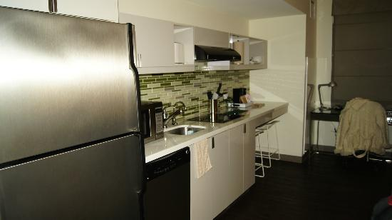 Element Lexington: Kitchenette area unit # 156