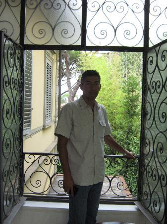 Casa di Mina: Balcón y área de lectura