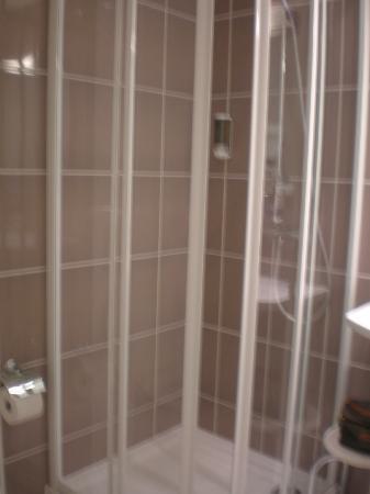 Ludwig Van Beethoven Hotel: cabine de duche