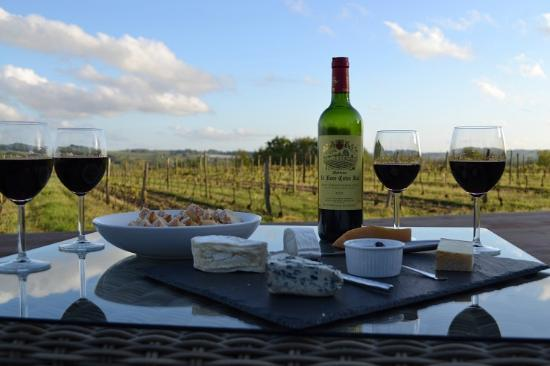 L'Autre Vie: A blend of boutique hotel & B&B charm, surrounded by Bordeaux's vineyards: Afternoon snack
