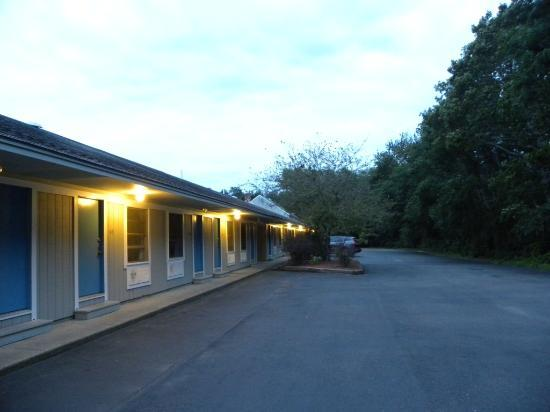 Captains Quarters Motel and Conference Center: Parcheggi
