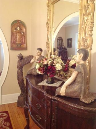 Red Bud Manor: Dining Area