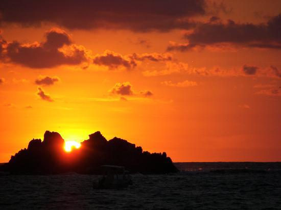 Club Med Ixtapa Pacific: Coucher de soleil sur la plage