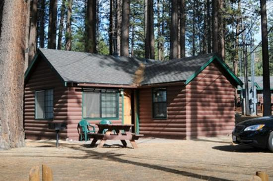 Zephyr Cove Resort: Front view of cabin with picnic table and BBQ grill outside