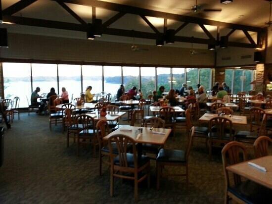 Rowena Landing Restaurant: Great scenic view!