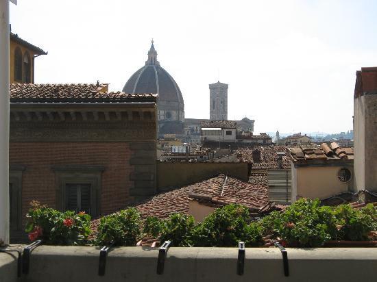 Hotel Loggiato dei Serviti: balcony's view N1