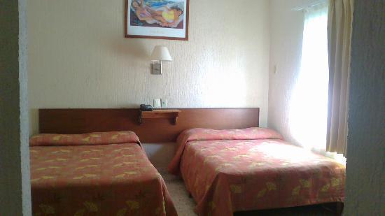 Hotel Minibrisas: Habitacion 2 camas matrimoniales