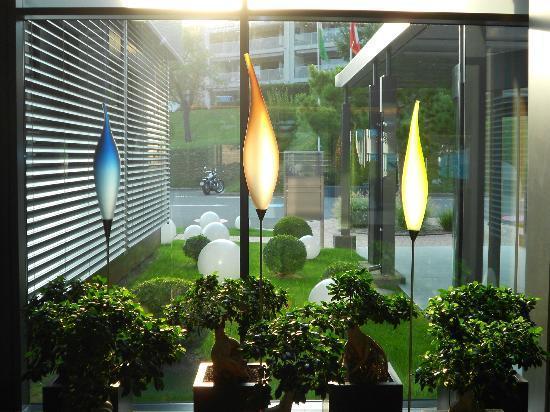 Novotel Lausanne Bussigny: Hall de l'hôtel