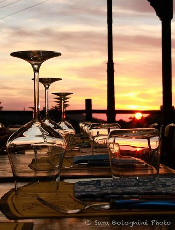 Aion - terrazza al tramonto - Foto di Agriturismo Aión presso ...