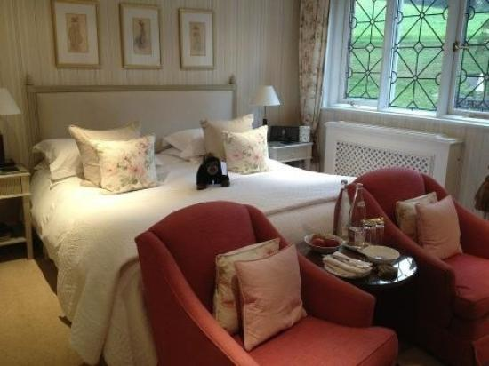 Longueville Manor: bedroom including gorilla!