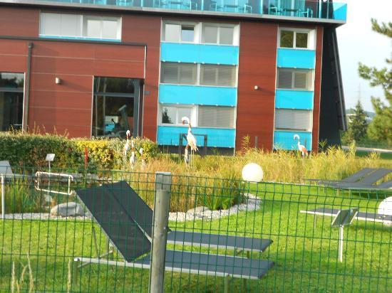 Novotel Lausanne Bussigny: Prise de la piscine