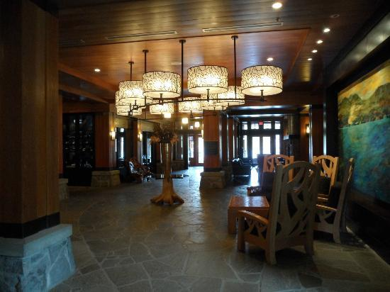 Nita Lake Lodge: Lobby