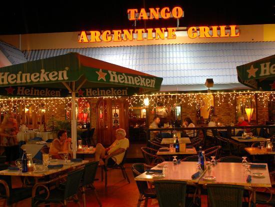 Tango Argentine Grill: Tango in festive spheres