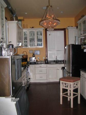 The Inn at 909 Lincoln: The kitchen where Elaine does her magic!