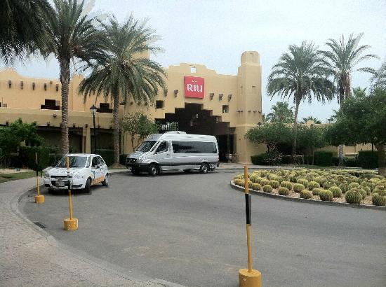 Hotel Riu Santa Fe: Entrance to Lobby