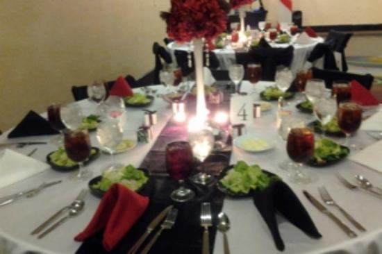Holiday Inn & Suites Waco Northwest: Reception Table