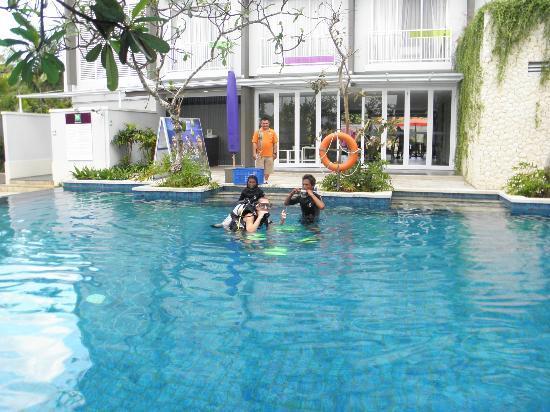 Ibis Styles Bali Benoa: 9