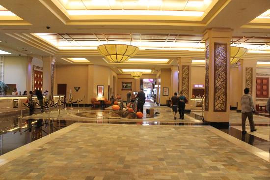 Harrah's Resort Southern California: lobby