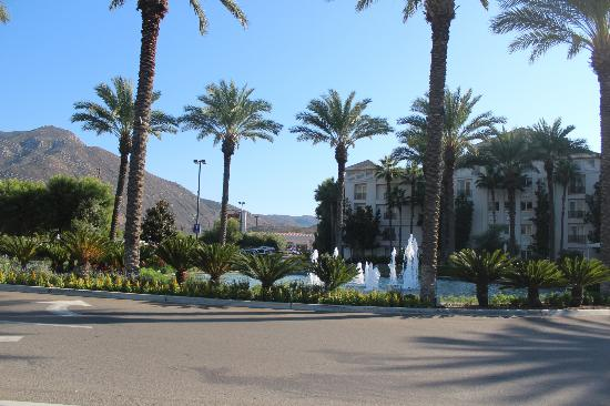 Harrah's Resort Southern California: entrance