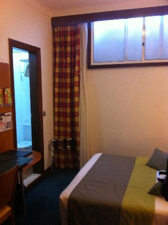 Hotel Santa Clara Evora Centro: Should this be offered as a 70 € hotel room?