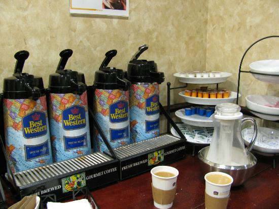 Best Western Magnolia Inn and Suites: Filling station