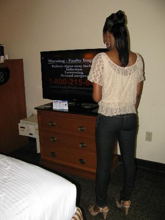 Best Western Magnolia Inn and Suites: Big Screen