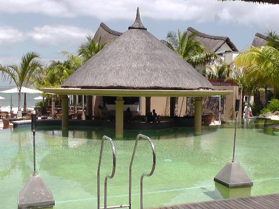 Angsana Balaclava Mauritius: pool bar