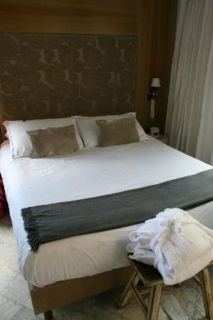 La Torretta: our comfy bed!  room #8.