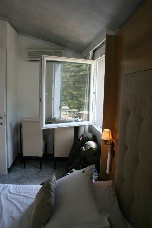 La Torretta: the cute little window, looking out to heaven, from room #8.