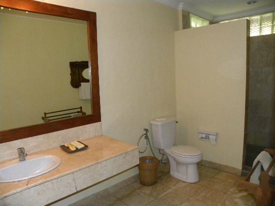Hotel Puri Bambu: bagno superior