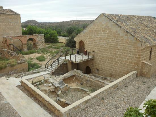 Hostal Monasterio de Rueda : View of the old buildings at the back of the hotel.