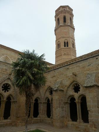 Hostal Monasterio de Rueda : Part of the restored 13 century monastery.