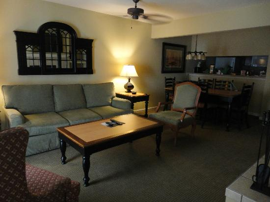 The Historic Powhatan Resort: Family Room